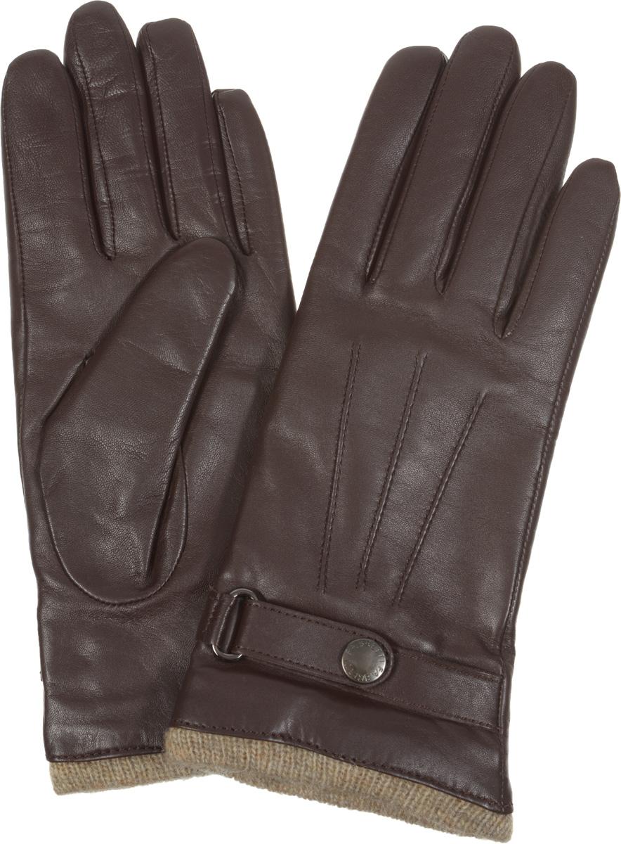 Перчатки12.15-2Элегантные женские перчатки Fabretti станут великолепным дополнением вашего образа и защитят ваши руки от холода и ветра во время прогулок. Перчатки выполнены из эфиопской перчаточной кожи ягненка на подкладке из шерсти с добавлением кашемира, что позволяет им надежно сохранять тепло. Перчатки оформлены декоративной прострочкой и украшены декоративным ремешком на кнопке. Такие перчатки будут оригинальным завершающим штрихом в создании современного модного образа, они подчеркнут ваш изысканный вкус и станут незаменимым и практичным аксессуаром.