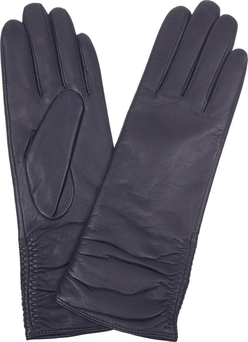Перчатки2.16-12Женские перчатки Fabretti не только защитят ваши руки от холода, но и станут стильным дополнением вашего образа. Перчатки выполнены из натуральной кожи ягненка на подкладке из шерсти с добавлением кашемира. Манжеты оформлены горизонтальными складками. Перчатки Fabretti станут завершающим и подчеркивающим элементом вашего стиля.