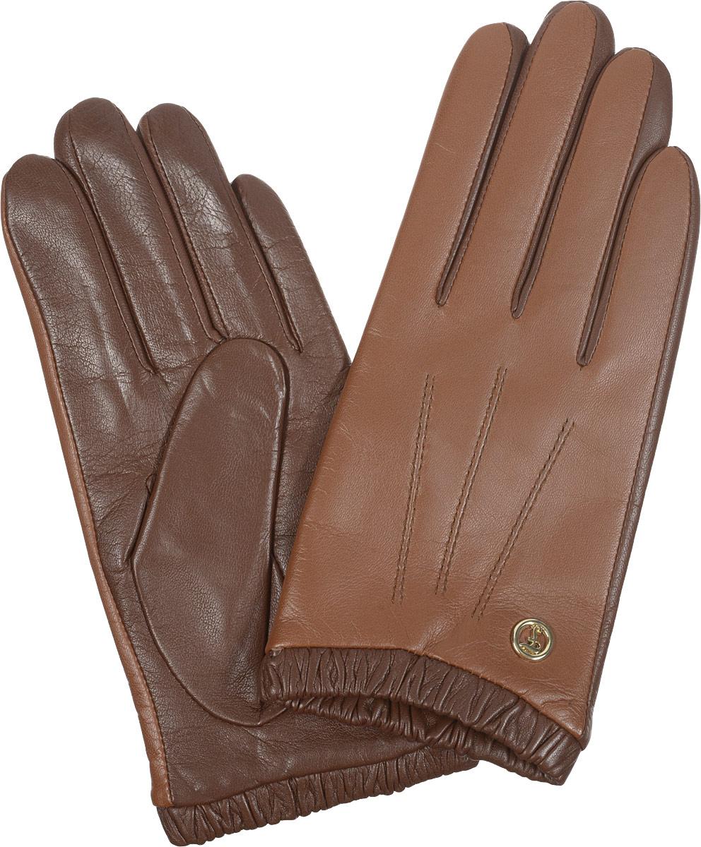 Перчатки2.29-12_navyЭлегантные женские перчатки Fabretti станут великолепным дополнением вашего образа и защитят ваши руки от холода и ветра во время прогулок. Перчатки выполнены из натуральной кожи ягненка и имеют подкладку из шерсти с добавлением кашемира, что позволяет им надежно сохранять тепло. Модель оснащена эластичной резинкой на запястье и оформлена декоративной отстрочкой с внешней стороны. Украшено изделие небольшим декоративным элементом с логотипом бренда. Такие перчатки будут оригинальным завершающим штрихом в создании современного модного образа, они подчеркнут ваш изысканный вкус и станут незаменимым и практичным аксессуаром.
