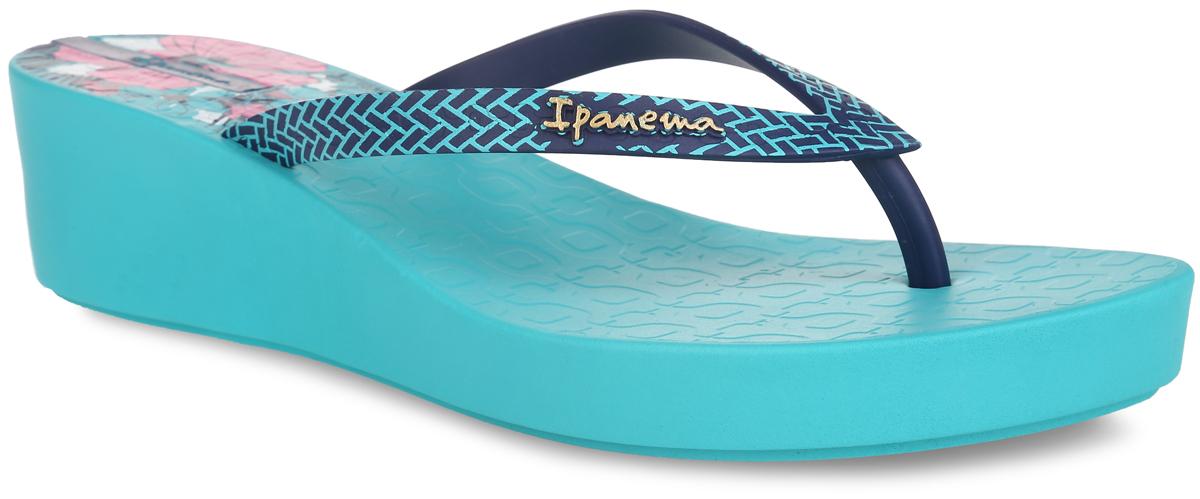 81703-22365Оригинальные женские сланцы Art Deco II Fem от Ipanema очаруют вас с первого взгляда. Модель полностью выполнена из поливинилхлорида и оформлена на ремешке названием бренда. Верхняя поверхность подошвы в области пятки оформлена цветочным принтом. Ремешки с перемычкой гарантируют надежную фиксацию модели на ноге. Танкетка умеренной высоты невероятно устойчива. Рифление на верхней поверхности подошвы предотвращает выскальзывание ноги. Рельефное основание подошвы обеспечивает уверенное сцепление с любой поверхностью. Удобные сланцы прекрасно подойдут для похода в бассейн или на пляж.