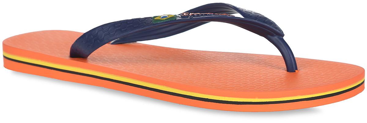 Сланцы80415-22277Комфортные мужские сланцы Classica Brasil II AD от Ipanema очаруют вас с первого взгляда. Модель полностью выполнена из поливинилхлорида. Сланцы снабжены ремешками с перемычкой, которые гарантируют надежную фиксацию на ноге. Ремешок оформлен изображением флага Бразилии и названием бренда, подошва - контрастными полосками. Верхняя рифленая поверхность подошвы предотвращает выскальзывание ноги. Рельефное основание подошвы обеспечивает уверенное сцепление с любой поверхностью. Удобные сланцы прекрасно подойдут для похода в бассейн или на пляж.