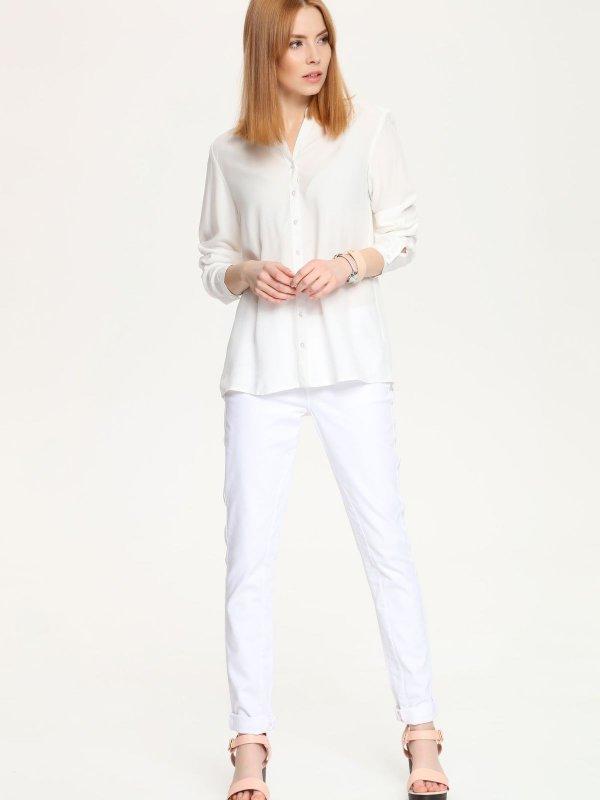 БлузкаSBD0605BIСтильная блузка Top Secret, изготовленная из мягкой вискозы, подчеркнет ваш уникальный стиль. Материал очень легкий, приятный на ощупь, не сковывает движения и хорошо вентилируется. Блузка с фигурным вырезом горловины и длинными рукавами застегивается на пуговицы по всей длине. Рукава дополнены узкими манжетами с застежками-пуговицами. Такая блузка будет дарить вам комфорт в течение всего дня и послужит замечательным дополнением к вашему гардеробу.