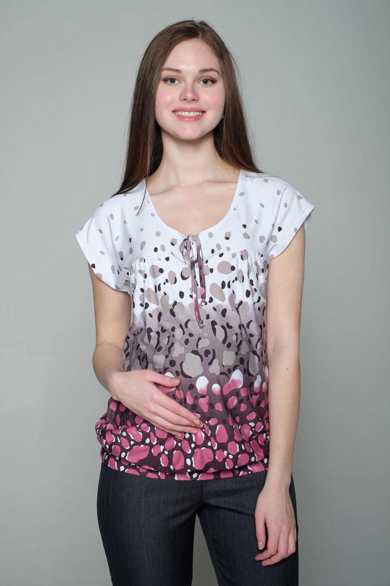 27709Блуза женская выполнена из качественного трикотажного полотна с ярким летним принтом. Изделие удобно в носке не только во время беременности, но и в период кормления малыша.