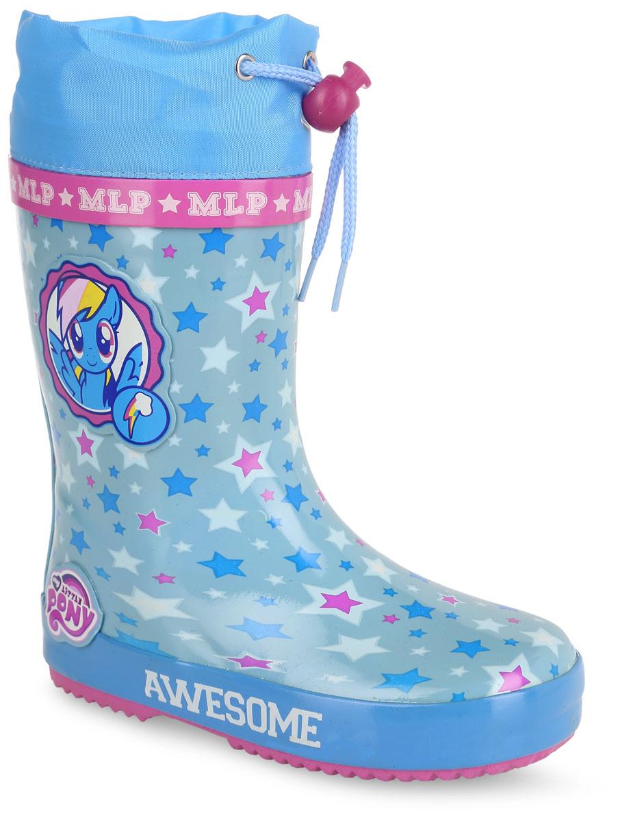 6068C_утепл.Утепленные резиновые сапоги My Little Pony от Kakadu превосходно защитят ноги вашей девочки от промокания в дождливый день. Сапоги выполнены из резины и оформлены принтом в виде звездочек и нашивками с изображениями Радуги Дэш и логотипа My Little Pony. Мягкая текстильная внутренняя поверхность и съемная стелька из ЭВА материала с верхней поверхностью из текстиля не дадут ногам замерзнуть. Текстильный верх голенища регулируется в объеме за счет шнурка со стоппером. Рельефная поверхность подошвы гарантирует отличное сцепление с любой поверхностью. Яркая и комфортная обувь с изображениями любимых персонажей порадует юных поклонниц My Little Pony.