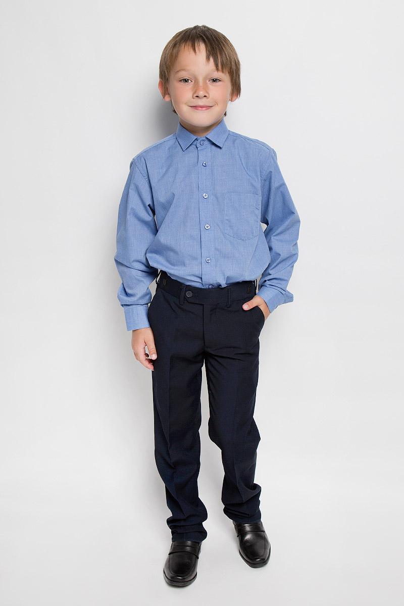 РубашкаLT BlueСтильная рубашка для мальчика Imperator идеально подойдет вашему юному мужчине. Изготовленная из хлопка с добавлением полиэстера, она мягкая и приятная на ощупь, не сковывает движения и позволяет коже дышать, не раздражает даже самую нежную и чувствительную кожу ребенка, обеспечивая ему наибольший комфорт. Модель классического кроя с длинными рукавами и отложным воротничком застегивается по всей длине на пуговицы. На груди располагается накладной карман. Края рукавов дополнены широкими манжетами на пуговицах. Низ изделия немного закруглен к боковым швам. Такая рубашка будет прекрасно смотреться с брюками и джинсами. Она станет неотъемлемой частью детского гардероба.