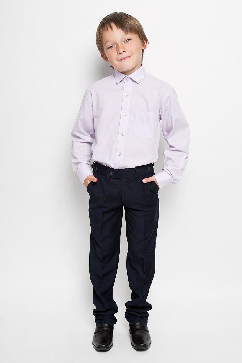 Рубашка для мальчика. Xen-09Xen-09Классическая рубашка для мальчика Tsarevich отлично сочетается как с джинсами, так и с брюками. Она выполнена из хлопка с добавлением полиэстера. Материал изделия мягкий и приятный на ощупь, не сковывает движения и обладает высокими дышащими свойствами. Однотонная рубашка прямого кроя с длинными рукавами имеет отложной воротник. Модель застегивается на пуговицы по всей длине. Манжеты рукавов также имеют застежки-пуговицы. На груди расположен накладной карман. Такая рубашка займет достойное место в детском гардеробе, в ней ребенку будет удобно и комфортно.