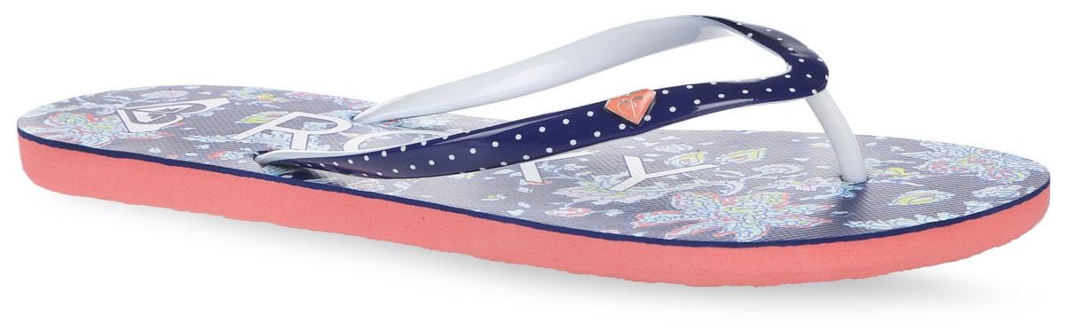 СланцыARJL100129-NN1Модные женские сланцы Mimosa от Roxy придутся вам по душе. Верх модели выполнен из ПВХ и оформлен металлическим элементом с фирменным логотипом. Ремешки с перемычкой гарантируют надежную фиксацию модели на ноге. Подошва выполнена из материала ЭВА. Верхняя поверхность подошвы оформлена цветочным принтом, названием бренда и фирменным логотипом. Рельефное основание подошвы обеспечивает уверенное сцепление с любой поверхностью. Удобные сланцы прекрасно подойдут для похода в бассейн или на пляж.