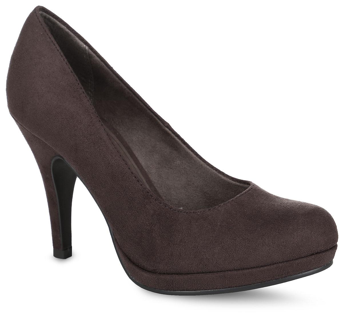 Туфли женские. 1-1-22407-21-1-22407-26-533Модные женские туфли от Tamaris очаруют вас с первого взгляда. Модель выполнена из мягкого текстиля с ворсистой фактурой. Круглый носок добавляет женственности в образ. Подкладка, изготовленная из текстиля, и стелька из текстиля и искусственной кожи обеспечивают комфорт при движении. Высокий каблук компенсирован небольшой платформой. Подошва с рифлением обеспечивает сцепление с любой поверхностью. Роскошные туфли помогут вам создать элегантный образ.