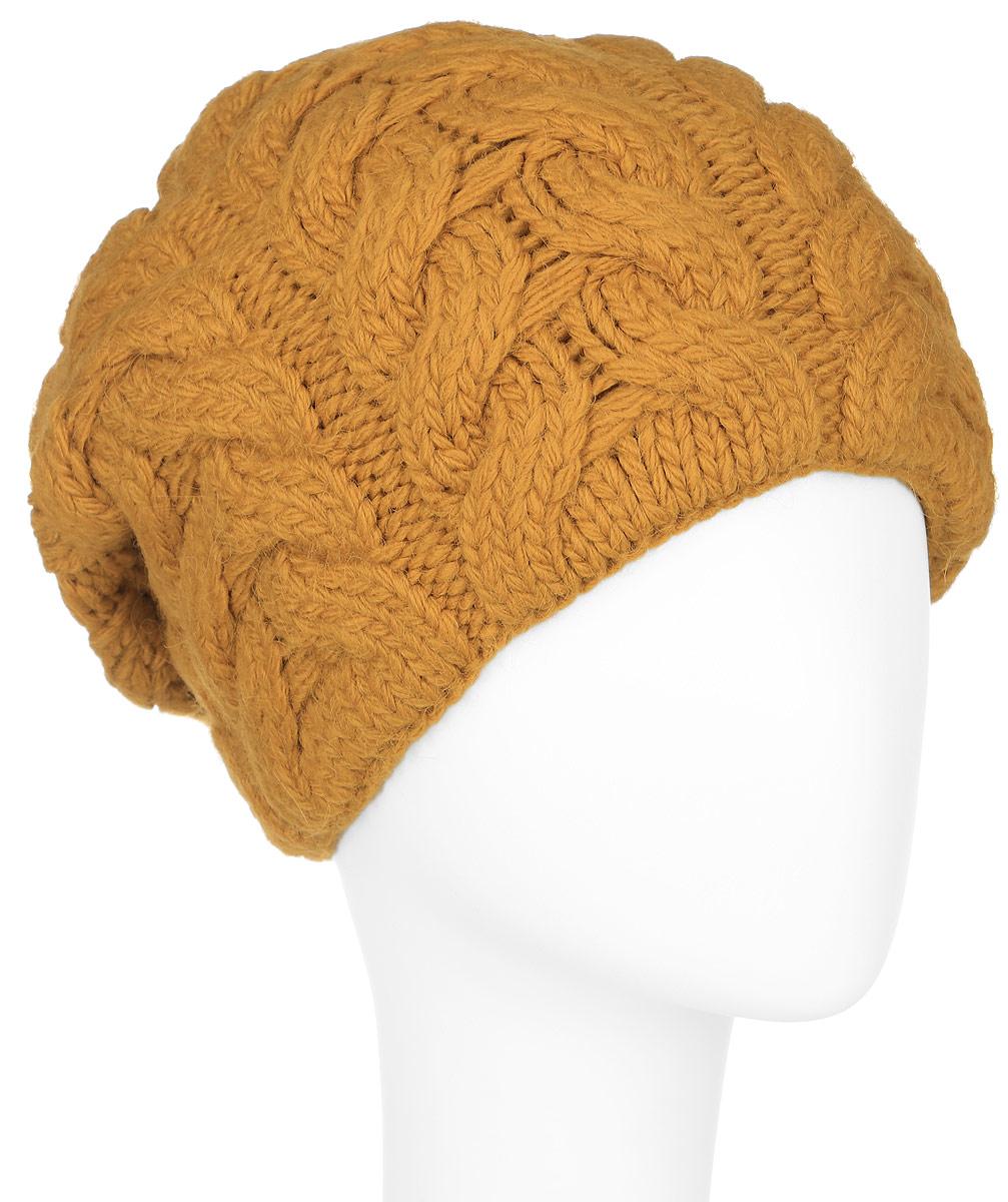 A16-12140_202Стильная женская шапка Finn Flare дополнит ваш наряд и не позволит вам замерзнуть в холодное время года. Шапка выполнена из высококачественной пряжи, что позволяет ей великолепно сохранять тепло и обеспечивает высокую эластичность и удобство посадки. Модель оформлена оригинальным узором и металлической эмблемой с логотипом производителя. Такая шапка станет модным и стильным дополнением вашего гардероба. Она согреет вас и позволит подчеркнуть свою индивидуальность!