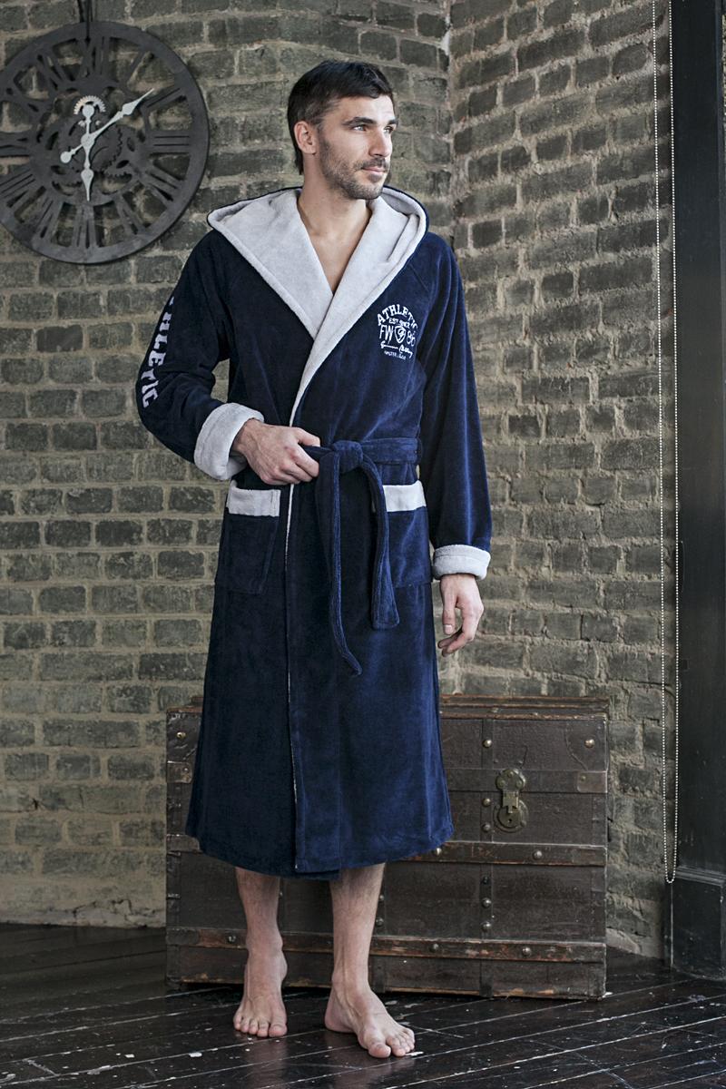 Халат123Мужской длинный халат Five Wien Home Atletik с капюшоном с рукавом реглан. Вышивка на груди и на рукаве. Внутренняя часть капюшона, отворот манжет рукавов, манжеты карманов - контрастного цвета.