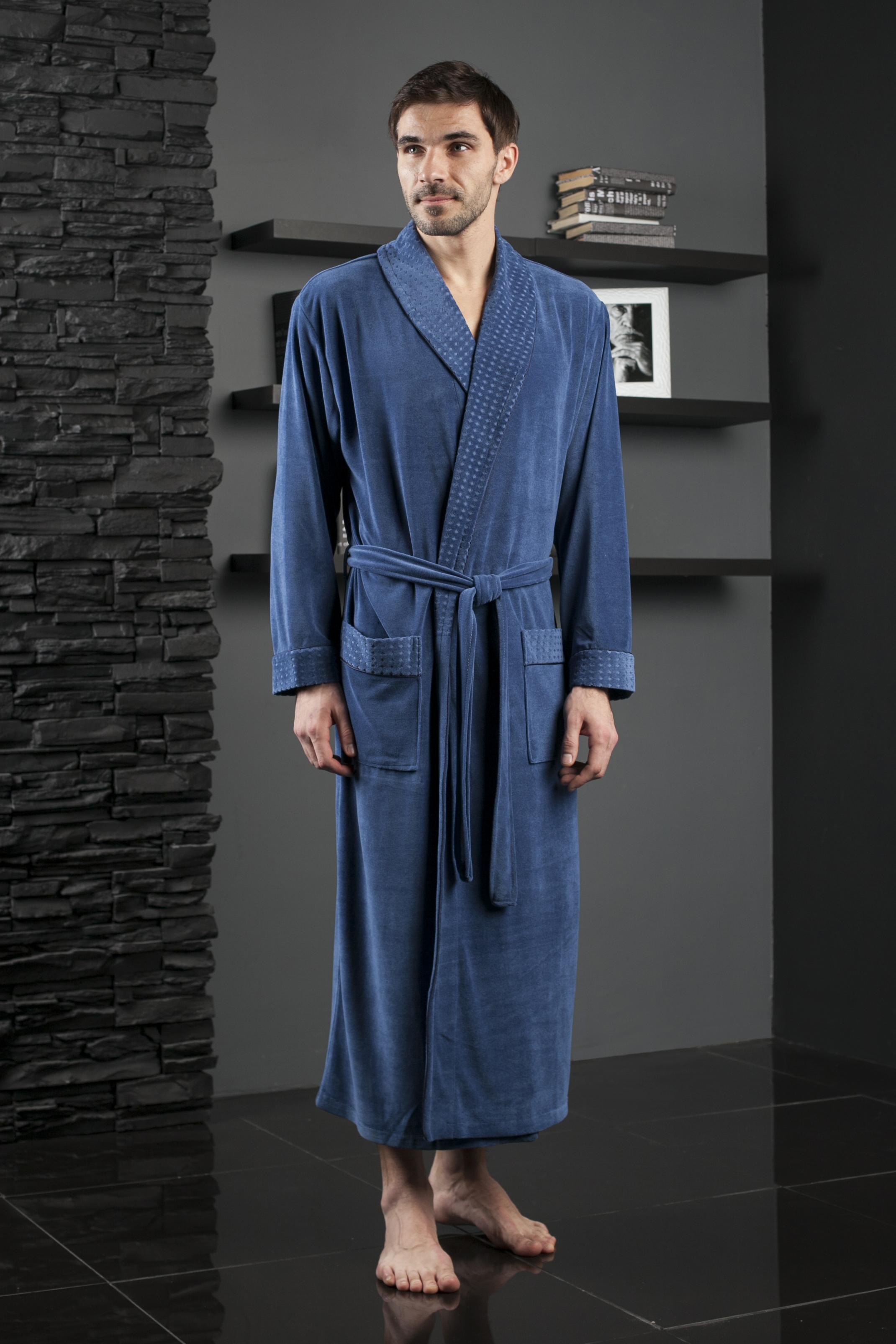 Халат мужской. 450450Солидный длинный мужской халат с шалькой. Облегченная модель в однотонном исполнении. Жаккардовая ткань по шальке,манжетам и карманам. Декоративная отделка кантом в тон.