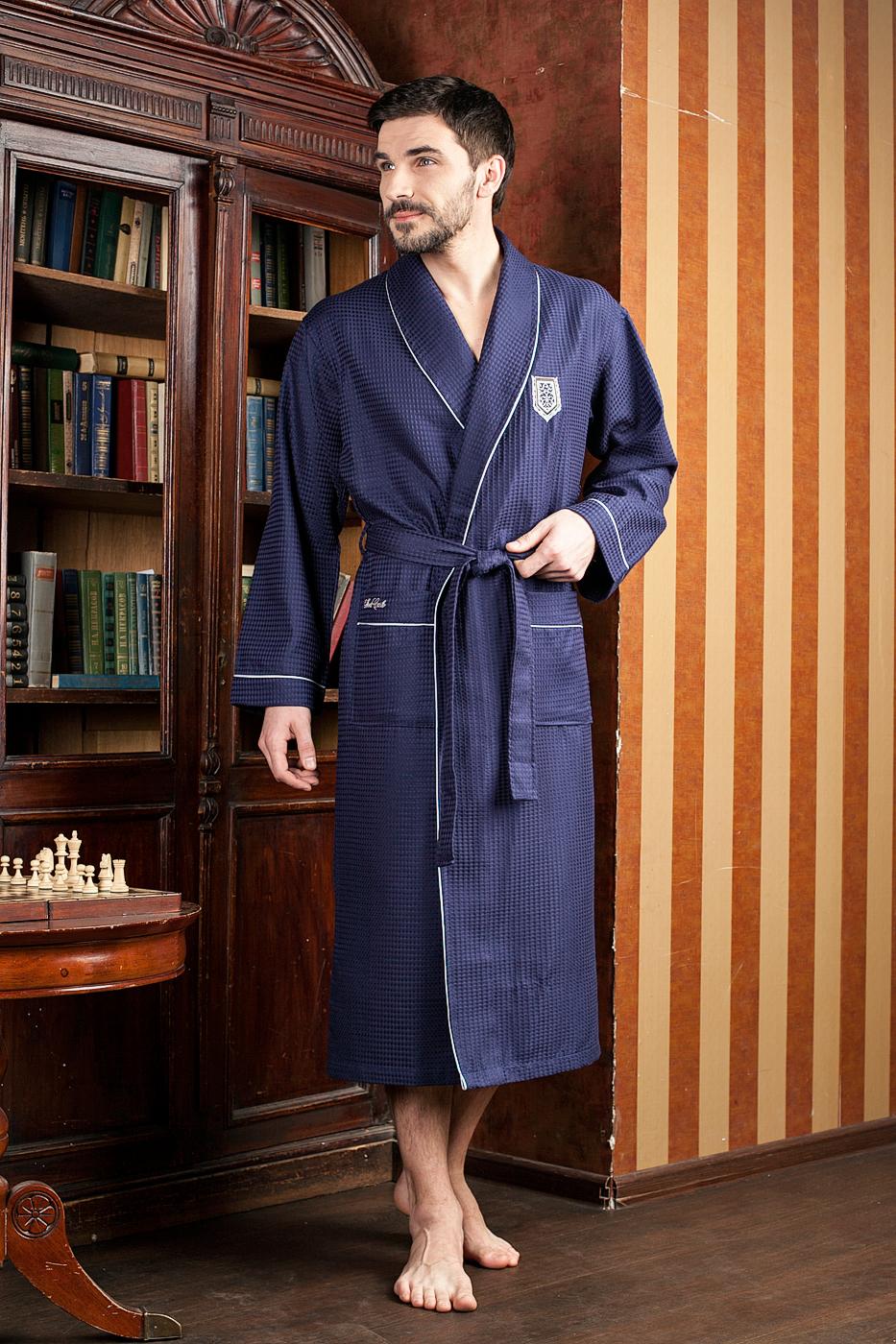 Халат мужской. 431431Шикарный вафельный бамбуковый халат с элегантной вышивкой на груди на кармане.