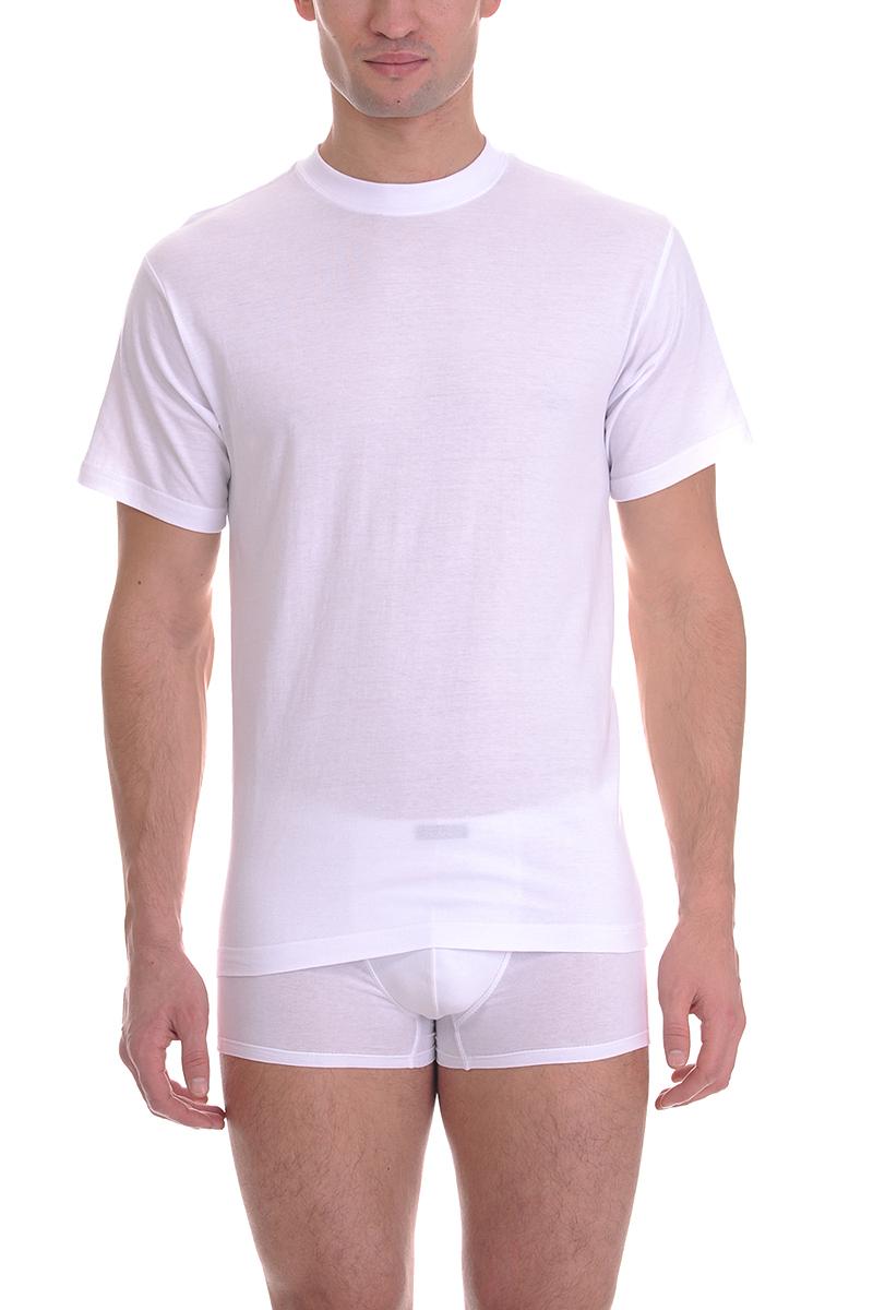 TMF835RМужская футболка Torro, изготовленная из натурального хлопка, мягкая и приятная на ощупь, не сковывает движения, обеспечивая наибольший комфорт. Модель с короткими рукавами и круглым вырезом горловины. Эта футболка - практичная вещь, которая, несомненно, впишется в ваш гардероб, в ней вы будете чувствовать себя уютно и комфортно.