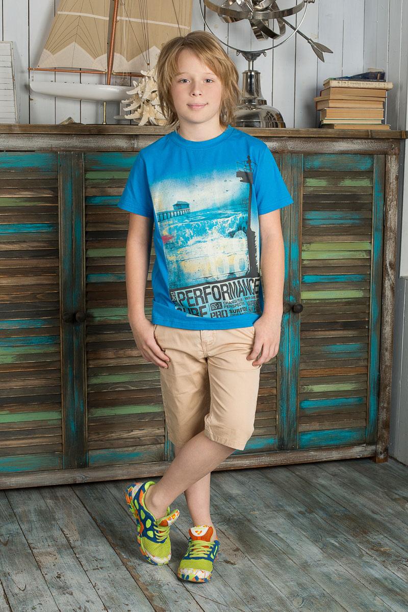 Футболка196737Яркая футболка для мальчика Luminoso, выполненная из эластичного хлопка, идеально подойдет юному моднику. Изделие мягкое и приятное на ощупь, не сковывает движения, хорошо пропускает воздух, обеспечивая комфорт. Футболка с круглым вырезом горловины и короткими рукавами оформлена крупной термоаппликацией с изображением морского пейзажа, а также надписями. Изделие дополнено небольшой текстильной нашивкой с названием бренда. Современный дизайн и расцветка делают эту футболку стильным предметом детской одежды. В ней ребенку будет удобно и комфортно.