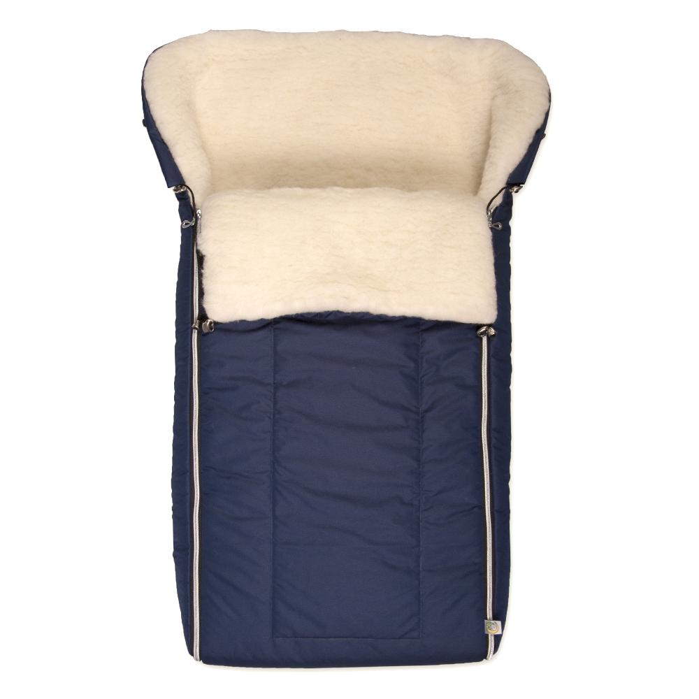 Конверт для новорожденного983/20Многофункциональный и теплый меховой конверт для новорожденного Сонный Гномик Норд отлично подойдет для долгих зимних прогулок. Конверт изготовлен из специальной синтетической ткани Dewspo (100% полиэстер), которая защищает от дождя и ветра. Меховая подкладка выполнена из шерсти с добавлением полиэстера. В качестве утеплителя используется шелтер (100% полиэстер). Шелтер (Shelter) - утеплитель, состоящий из микроволокон, удачно сочетает непревзойденное тепло натурального пуха и лучшие качества синтетических материалов. Его уникальность состоит в особенности структуры, повторяющей пух. Ультратонкие волокна делают утеплитель мягким, позволяющим ребенку активно двигаться. Утеплитель шелтер максимально защищает от холода, не стесняя движений, позволяя телу дышать. Конверт легко стирается в домашних условиях, быстро сохнет и сохраняет форму. Конструкция модели снабжена двумя удобными застежками-молниями. Она раскладывается на два отдельных меховых коврика....