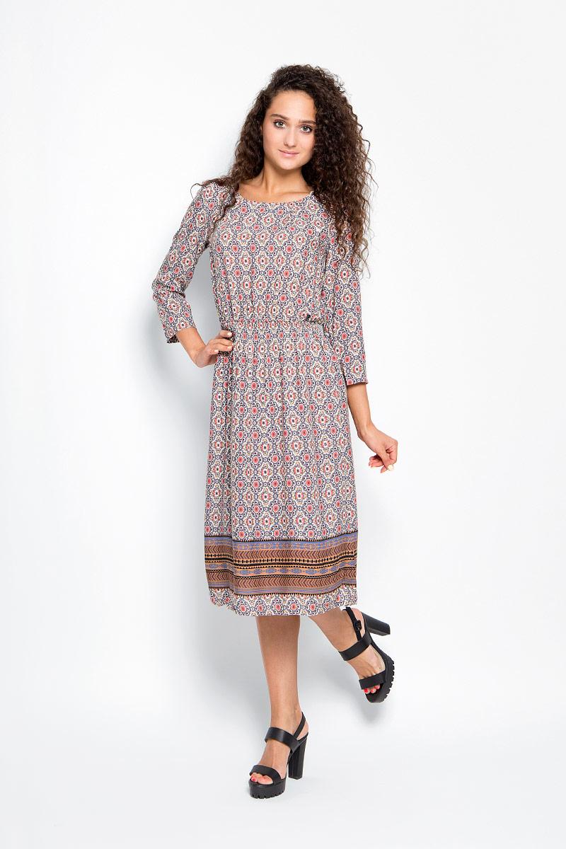 Платье. A16-32032A16-32032_205Элегантное платье Finn Flare выполнено из 100% вискозы. Такое платье обеспечит вам комфорт и удобство при носке и непременно вызовет восхищение у окружающих. Модель-макси с рукавами 3/4 и круглым вырезом горловины дополнена широкой эластичной резинкой на талии, благодаря чему выгодно подчеркнет все достоинства вашей фигуры. Изделие застегивается на металлическую пуговицу на спинке. Модель оформлена оригинальным цветочным принтом. Изысканное платье-макси создаст обворожительный и неповторимый образ. Это модное и комфортное платье станет превосходным дополнением к вашему гардеробу, оно подарит вам удобство и поможет подчеркнуть свой вкус и неповторимый стиль.