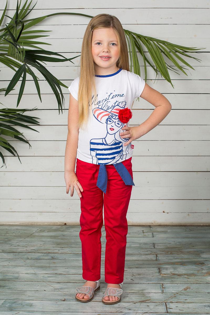 Брюки195449Летние брюки для девочки Sweet Berry идеально подойдут юной моднице. Изготовленные из эластичного хлопка, они мягкие и приятные на ощупь, не сковывают движения ребенка и позволяют коже дышать, обеспечивая наибольший комфорт. Брюки на талии застегиваются на металлический крючок и ширинку на молнии, имеются шлевки для ремня. С внутренней стороны пояс регулируется скрытой резинкой на пуговицах. Модель имеет спереди два втачных кармана и два накладных кармана сзади. Брюки дополнены текстильным пояском контрастного цвета с принтом горох. Современный дизайн и расцветка делают эти брюки модным предметом детской одежды. В них ребенок всегда будет в центре внимания!