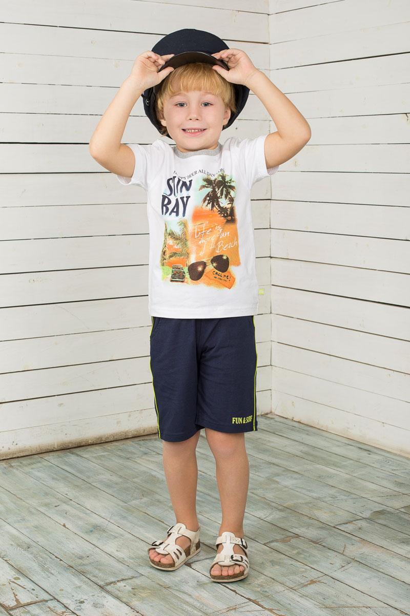 Комплект для мальчика: футболка, шорты. 196351196351Комплект одежды для мальчика Sweet Berry, состоящий из футболки и шорт, станет отличным дополнением к детскому гардеробу. Изготовленный из эластичного хлопка, он очень мягкий и приятный на ощупь, не сковывает движения и позволяет коже дышать, обеспечивая наибольший комфорт. Футболка с короткими рукавами имеет круглый вырез горловины, дополненный трикотажной резинкой. Модель оформлена ярким принтом и надписями. Шорты на поясе имеют мягкую трикотажную резинку с затягивающимся шнурком, благодаря чему они не сдавливают животик ребенка и не сползают. Спереди расположены два втачных кармана. По бокам изделие оформлено узкими контрастными лампасами. Шорты украшены небольшой принтовой надписью. В таком комплекте одежды маленький модник будет чувствовать себя комфортно, уютно, а также всегда будет в центре внимания!