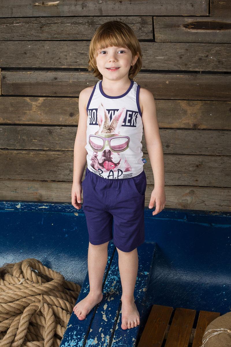 196388Комплект одежды для мальчика Sweet Berry, состоящий из майки и шорт, станет отличным дополнением к детскому гардеробу. Изготовленный из эластичного хлопка, он очень мягкий и приятный на ощупь, не сковывает движения и позволяет коже дышать, обеспечивая наибольший комфорт. Майка-борцовка с круглым вырезом горловины оформлена спереди оригинальным принтом и надписями. Шорты на поясе имеют мягкую трикотажную резинку с затягивающимся шнурком, благодаря чему они не сдавливают животик ребенка и не сползают. Спереди расположены два втачных кармана. В таком комплекте одежды маленький модник будет чувствовать себя комфортно, уютно, а также всегда будет в центре внимания!