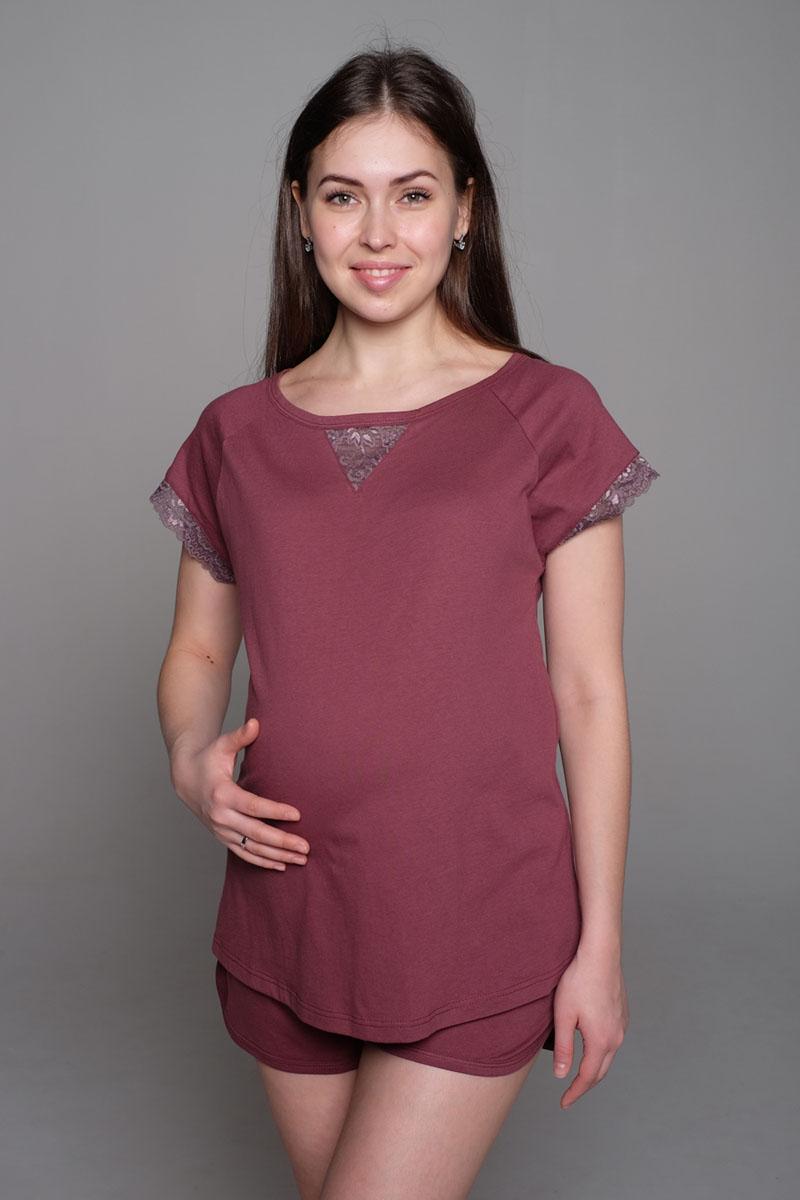 П 17120Уютная пижама состоит из футболки свободного покроя и коротких шорт. Футболка с коротким рукавом-реглан. Комплект украшен кружевом.