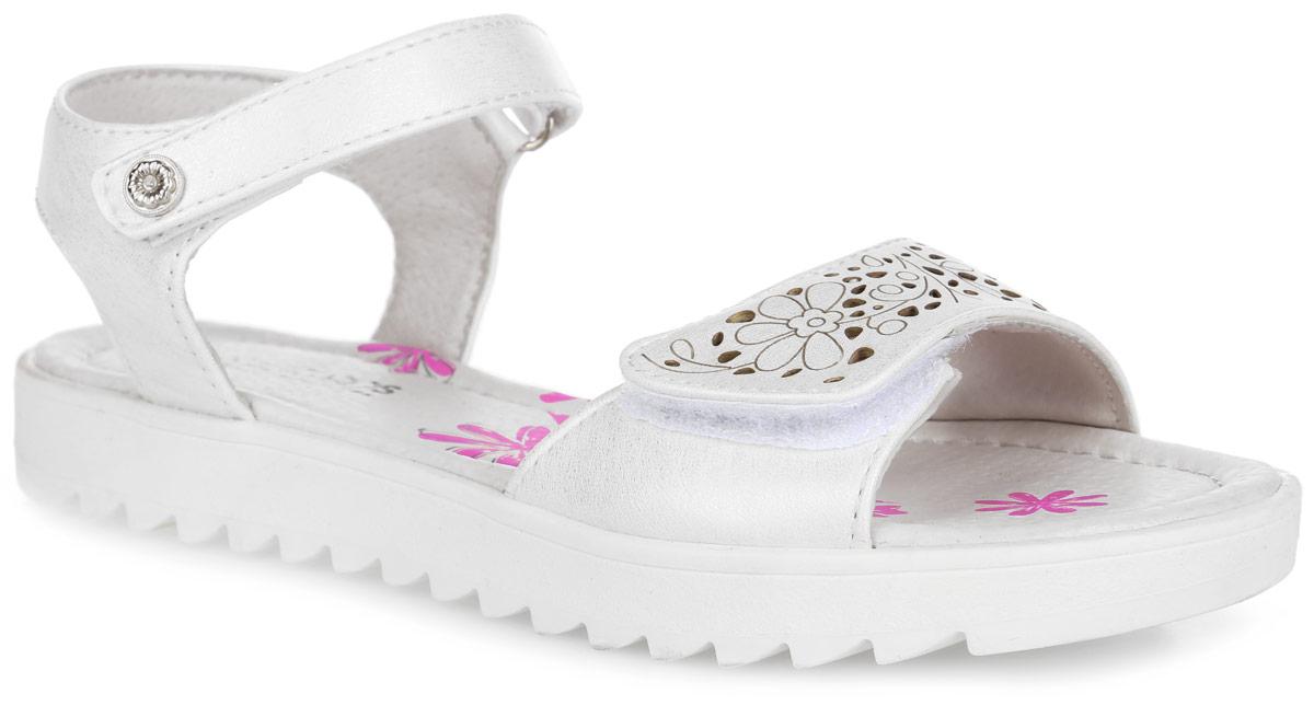 21-208B/12Модные сандалии от Indigo Kids придутся по душе вашей девочке и идеально подойдут для повседневной носки в летнюю погоду! Модель, выполненная из искусственной кожи, оформлена на переднем ремешке цветочным тиснением и перфорацией. Ремешки с застежками-липучками обеспечивают надежную фиксацию модели на ноге. Внутренняя поверхность и стелька из натуральной кожи комфортны при ходьбе. Подошва с рифлением гарантирует отличное сцепление с любой поверхностью. Стильные сандалии - незаменимая вещь в гардеробе каждой девочки!