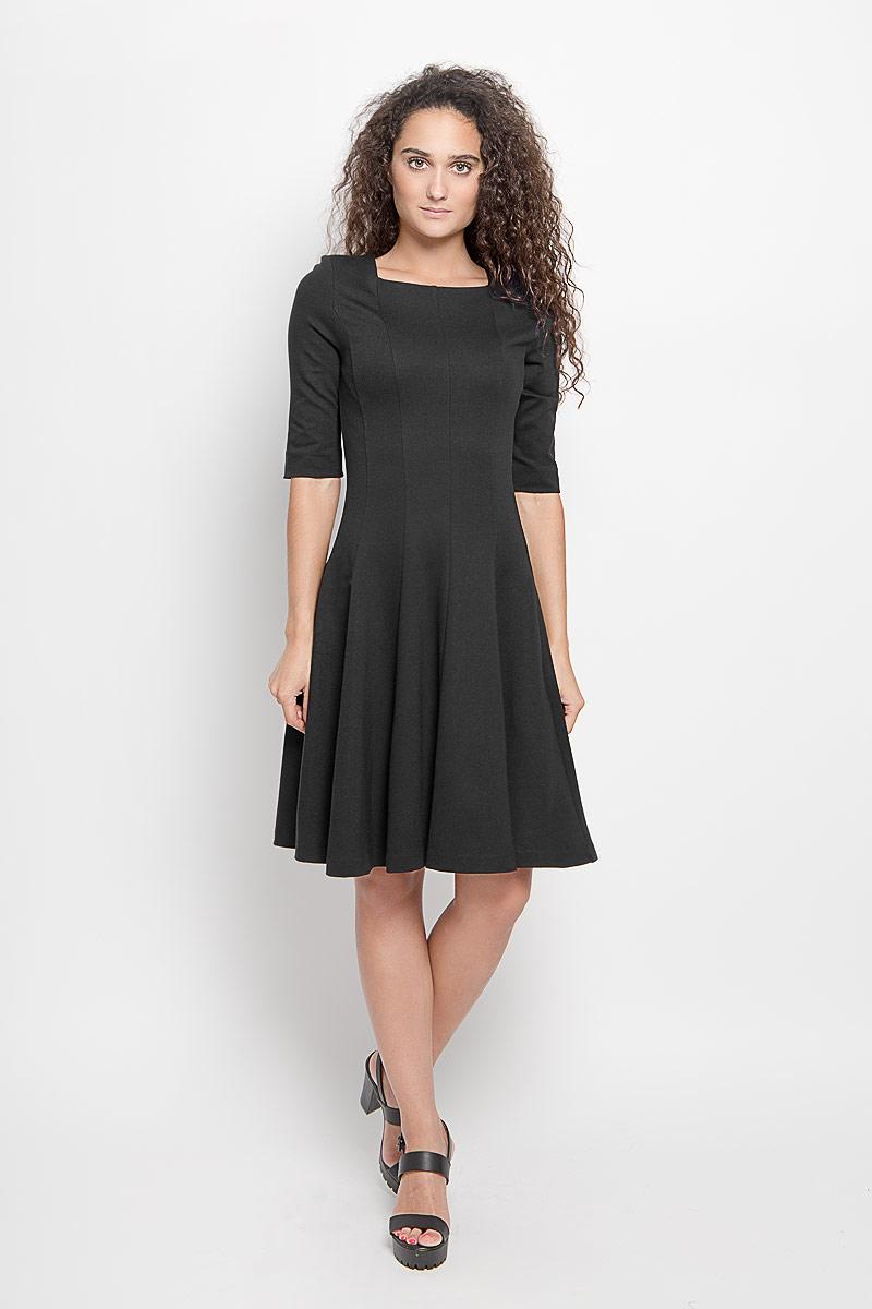 Платье105004_2Платье Ruxara, выполненное из высококачественного комбинированного материала, поможет создать отличный современный образ в стиле Casual. Модель приталенного силуэта с расклешенной юбкой дополнено вырезом горловины каре и рукавами длиной до локтя. Такое платье поможет создать яркий и привлекательный образ, в нем вам будет удобно и комфортно.