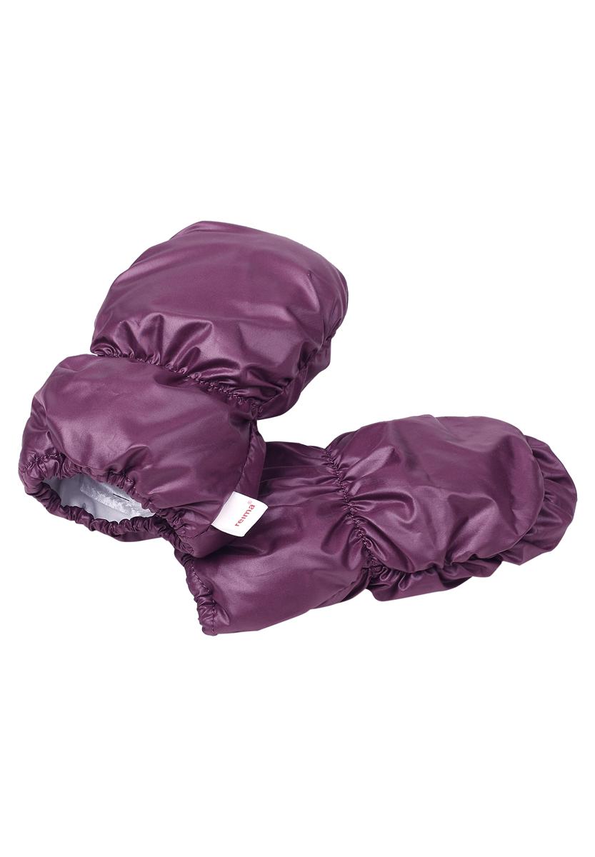 Варежки детские. 517130517130-0310Детские варежки Reima, изготовленные из мембранной ткани с водо- и ветрозащитным покрытием, станут идеальным вариантом для холодной погоды. Подкладка выполнена из мягкого, приятного на ощупь материала, который хорошо удерживает тепло. Варежки предназначены для малышей и не имеют больших пальцев. Для большего удобства на запястьях варежки дополнены эластичными резинками.