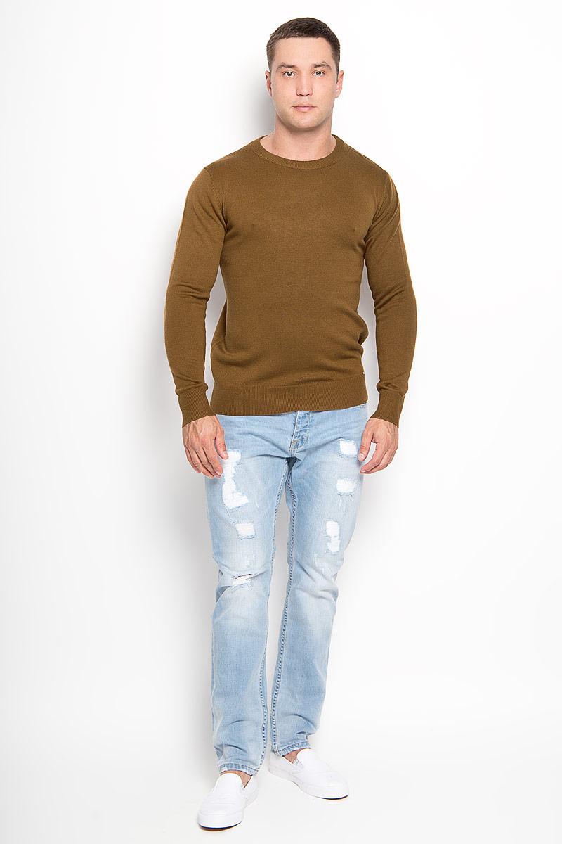 A16-21101_611Оригинальный мужской джемпер Finn Flare, изготовленный из высококачественной пряжи из акрила с добавлением нейлона и шерсти, мягкий и приятный на ощупь, не сковывает движений и обеспечивает наибольший комфорт. Модель с круглым вырезом горловины и длинными рукавами великолепно подойдет для создания современного образа в стиле Casual. Горловина, манжеты рукавов и низ джемпера связаны резинкой. Однотонный джемпер будет превосходно смотреться как с джинсами, так и с классическими брюками. Этот джемпер послужит отличным дополнением к вашему гардеробу. В нем вы всегда будете чувствовать себя уютно и комфортно в прохладную погоду.