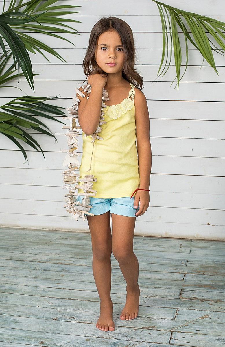 Шорты для девочки. 195487195487Шорты для девочки Sweet Berry идеально подойдут маленькой моднице и станут отличным дополнением к детскому гардеробу. Шорты выполнены из натурального хлопка, не сковывают движения и позволяют коже дышать, обеспечивая наибольший комфорт. Шорты на талии застегиваются на металлический крючок и имеют ширинку на застежке-молнии, а также шлевки для ремня. С внутренней стороны пояс регулируется скрытой резинкой на пуговицах. Спереди расположены два втачных кармана, а сзади - два накладных кармана. Оформлено изделие металлическими клепками и декоративными отворотами. В таких стильных шортах ваша дочурка будет чувствовать себя комфортно и всегда будет в центре внимания!