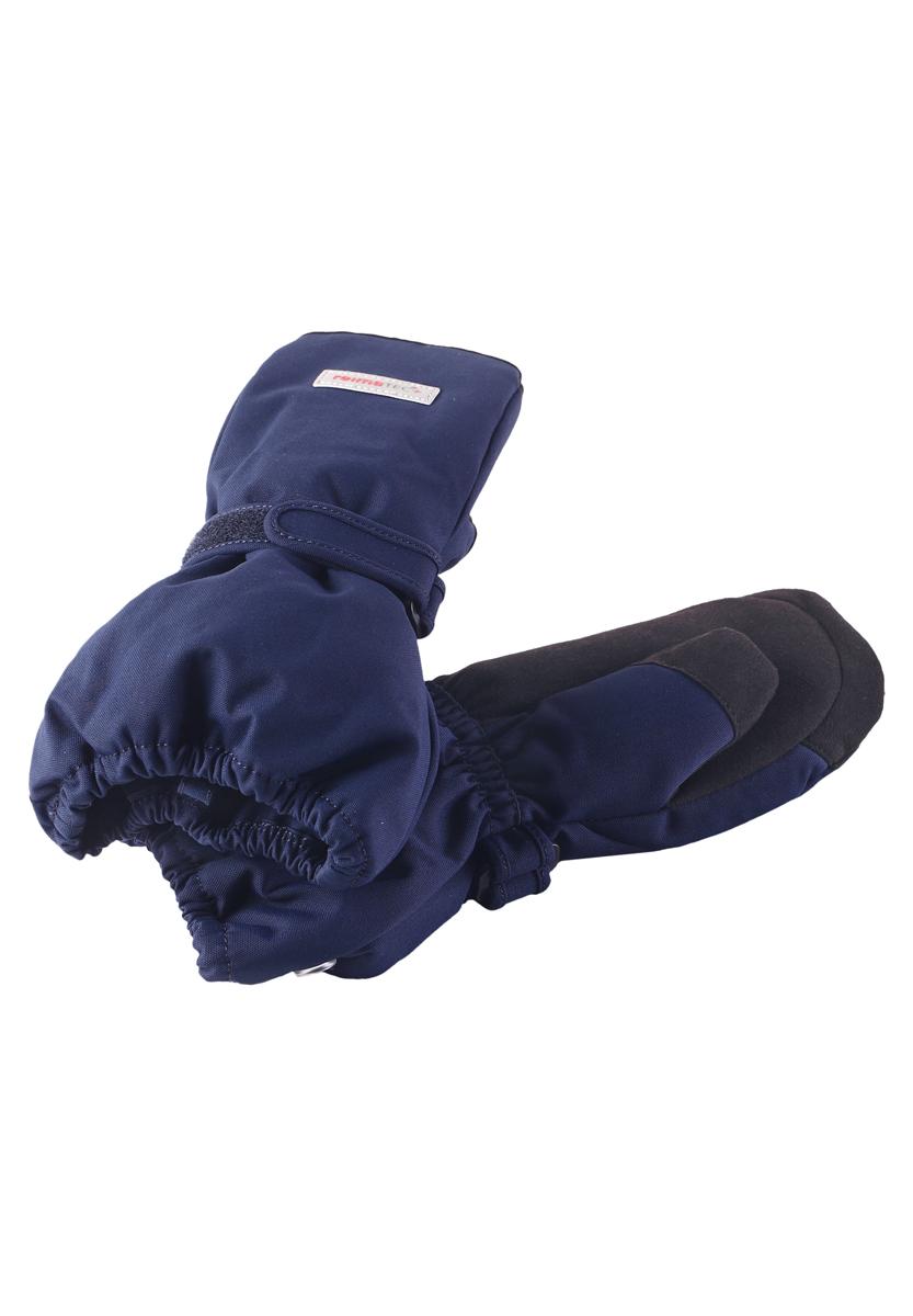 Варежки детские. 527250527250-4900Детские варежки Reimatec+ станут идеальным вариантом для холодной зимней погоды. На подкладке используется высококачественный полиэстер, который хорошо удерживает тепло. Для большего удобства на запястьях варежки дополнены хлястиками на липучках с внешней стороны, а на ладошках - усиленными вставками. Манжеты по краю регулируются эластичными кулисками со стопперами. С внешней стороны изделие оформлено нашивками с логотипом бренда. Варежки станут идеальным вариантом для прохладной погоды, в них ребенку будет тепло и комфортно.