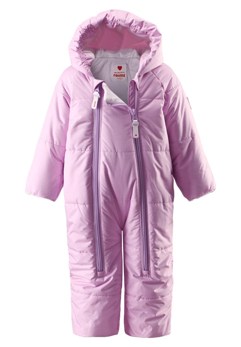 510241-5000Водонепроницаемый зимний комбинезон для самых маленьких согреет во время прогулок в коляске. Этот зимний комбинезон-трансформер — лучшая одежда для дневного сна на свежем воздухе даже в холодные зимние деньки. Подкладка комбинезона сделана из гладкой, мягкой, трикотажной ткани. Комбинезон застегивается на молнию по всей длине, что облегчает одевание малыша. Ветронепроницаемый материал, отталкивающий воду и грязь, гарантирует новорожденным комфортные прогулки. Благодаря подгибающимся рукавчикам, вашему малышу не понадобятся отдельные варежки для защиты крошечных ручек.