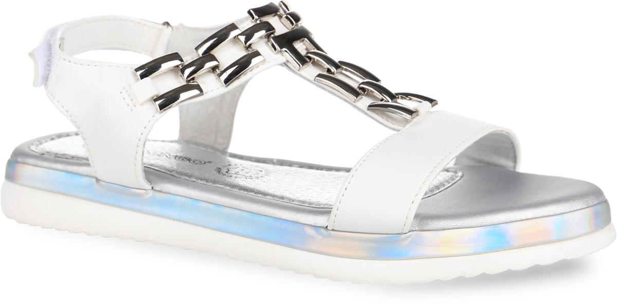 61-SS105Оригинальные босоножки от Flamingo придутся по душе вашей юной моднице и идеально подойдут для повседневной носки в летнюю погоду! Модель выполнена из искусственной кожи и оформлена на подъеме металлическими элементами в виде цепочки. Ремешок на застёжке-липучке надежно зафиксирует обувь на ноге. Подкладка и стелька из натуральной кожи комфортны при движении. Подошва с рифленым протектором обеспечивает идеальное сцепление с любой поверхностью. Стильные босоножки - незаменимая вещь в гардеробе каждой девочки!