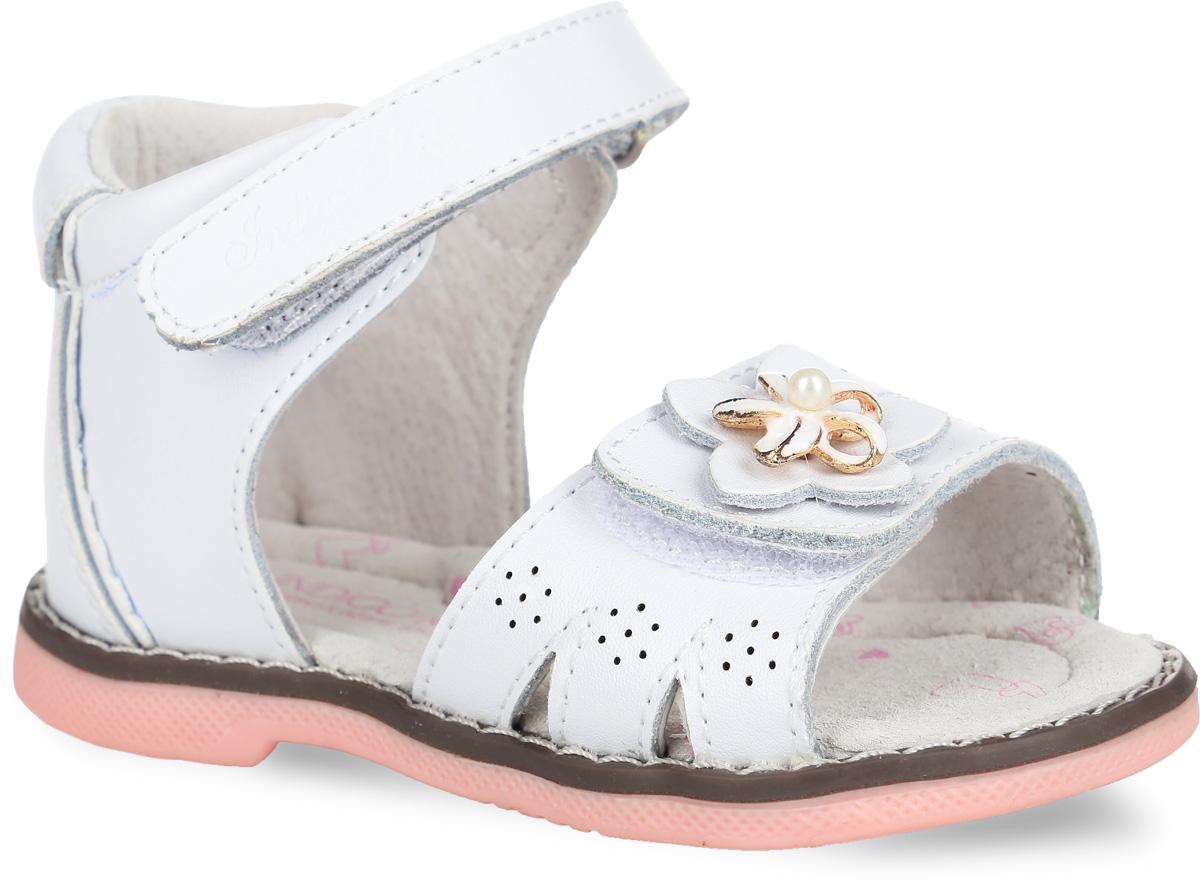 Сандалии для девочки. 21-170B/1221-170B/12Стильные сандалии от Indigo Kids придутся по душе вашей малышке и идеально подойдут для повседневной носки в летнюю погоду! Модель, выполненная из натуральной кожи, оформлена перфорацией и декоративными элементами в виде цветочков. Ремешки с застежками-липучками прочно зафиксируют модель на ножке. Внутренняя поверхность выполнена из натуральной кожи, благодаря чему дарит комфорт. Стелька оснащена супинатором с перфорацией, который обеспечивает правильное положение стопы ребенка при движении и предотвращает плоскостопие. Подошва с рифлением гарантирует отличное сцепление с любой поверхностью. Практичные сандалии - незаменимая вещь в гардеробе маленькой модницы!