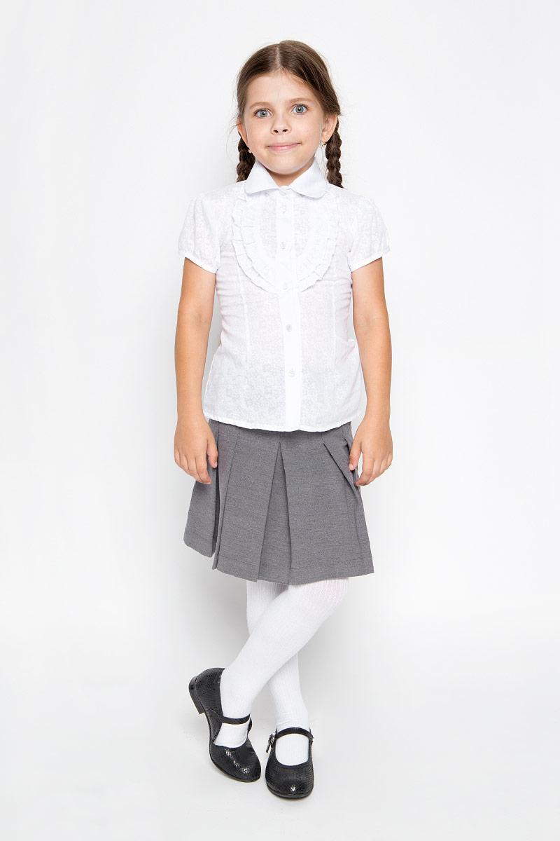 Блузка для девочки. CWR26015ACWR26015A-1/CWR26015BСтильная блузка для девочки Sela идеально подойдет вашей дочурке. Изготовленная из хлопка с добавлением полиэстера, она мягкая и приятная на ощупь, не сковывает движения и позволяет коже дышать, обеспечивая наибольший комфорт. Блузка с короткими рукавами-фонариками и отложным воротничком застегивается на пластиковые пуговицы по всей длине. Модель выполнена из тонкого полупрозрачного полотна и оформлена цветочным узором, а также оборками на груди. Современный дизайн и расцветка делают эту блузку стильным предметом детского гардероба. Модель можно носить как с джинсами, так и с классическими брюками.
