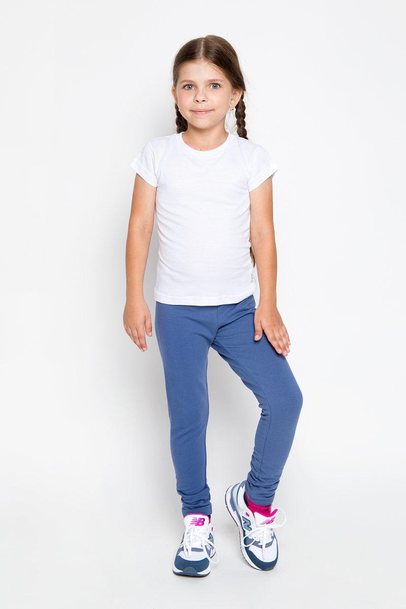 Брюки спортивные для девочки. Pk-615/117-6351Pk-615/117-6351Удобные брюки для девочки Sela идеально подойдут вашей маленькой моднице. Изготовленные из эластичного хлопка, они мягкие и приятные на ощупь, не сковывают движения, сохраняют тепло и позволяют коже дышать, обеспечивая наибольший комфорт. Прямые брюки имеют широкую мягкую резинку на поясе, благодаря чему не сдавливают живот ребенка и не сползают. Наружная сторона изделия гладкая, а внутренняя имеет начес. Такие брюки подойдут как для повседневной носки, так и для активных игр и занятия спортом. Практичные и стильные брюки идеально подойдут вашей малышке, а модная расцветка и высококачественный материал позволят ей комфортно чувствовать себя в течение дня!