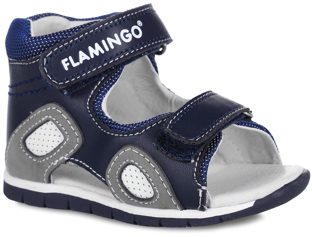 Сандалии для мальчика. 61-XS15461-XS154Модные сандалии от Flamingo придутся по душе вашему мальчику. Модель, выполненная из текстиля, натуральной и искусственной кожи, оформлена контрастной прострочкой, по бокам - перфорацией. Ремешки с застежками-липучками, один из которых оформлен названием бренда, обеспечивают надежную фиксацию модели на ноге. Внутренняя поверхность и стелька из натуральной кожи комфортны при ходьбе. Стелька дополнена супинатором, который обеспечивает правильное положение стопы ребенка при ходьбе и предотвращает плоскостопие. Подошва с рифлением гарантирует отличное сцепление с любой поверхностью. Стильные сандалии - незаменимая вещь в гардеробе каждого мальчика!