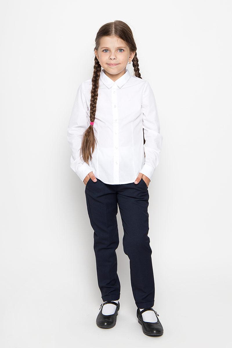 РубашкаB-612/015-6311Стильная рубашка для девочки Sela идеально подойдет вашей дочурке. Изготовленная из хлопка с добавлением полиэстера, она мягкая и приятная на ощупь, не сковывает движения и позволяет коже дышать, обеспечивая наибольший комфорт. Рубашка с длинными рукавами и отложным воротничком застегивается на пластиковые пуговицы по всей длине. Рукава дополнены манжетами на пуговицах. Современный дизайн и расцветка делают эту рубашку стильным предметом детского гардероба. Модель можно носить как с джинсами, так и с классическими брюками.