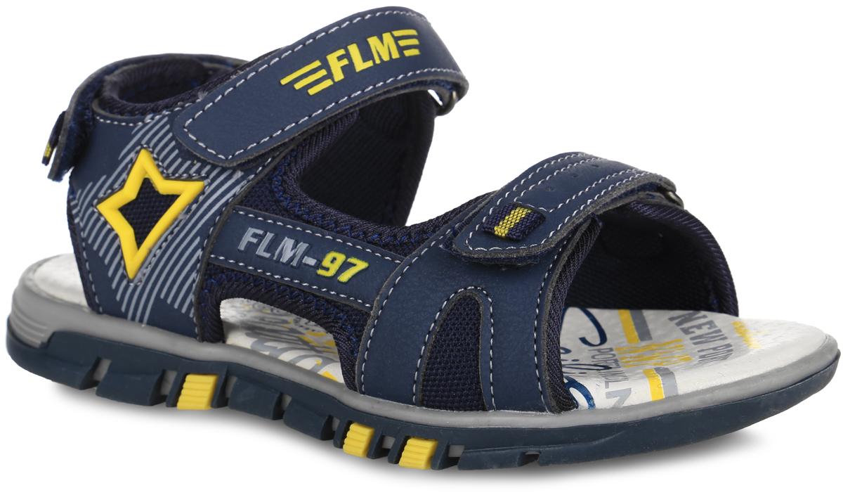 61-DS110Модные сандалии от Flamingo придутся по душе вашему мальчику. Модель, выполненная из искусственной кожи и текстиля, оформлена контрастной прострочкой, сбоку - декоративной нашивкой из ПВХ, на верхнем ремешке и сбоку - логотипом бренда. Ремешки с застежками- липучками обеспечивают надежную фиксацию модели на ноге. Внутренняя поверхность из текстиля не натирает. Стелька из натуральной кожи дополнена супинатором, который обеспечивает правильное положение стопы ребенка при ходьбе и предотвращает плоскостопие. Подошва с рифлением гарантирует отличное сцепление с любой поверхностью. Стильные сандалии - незаменимая вещь в гардеробе каждого мальчика!