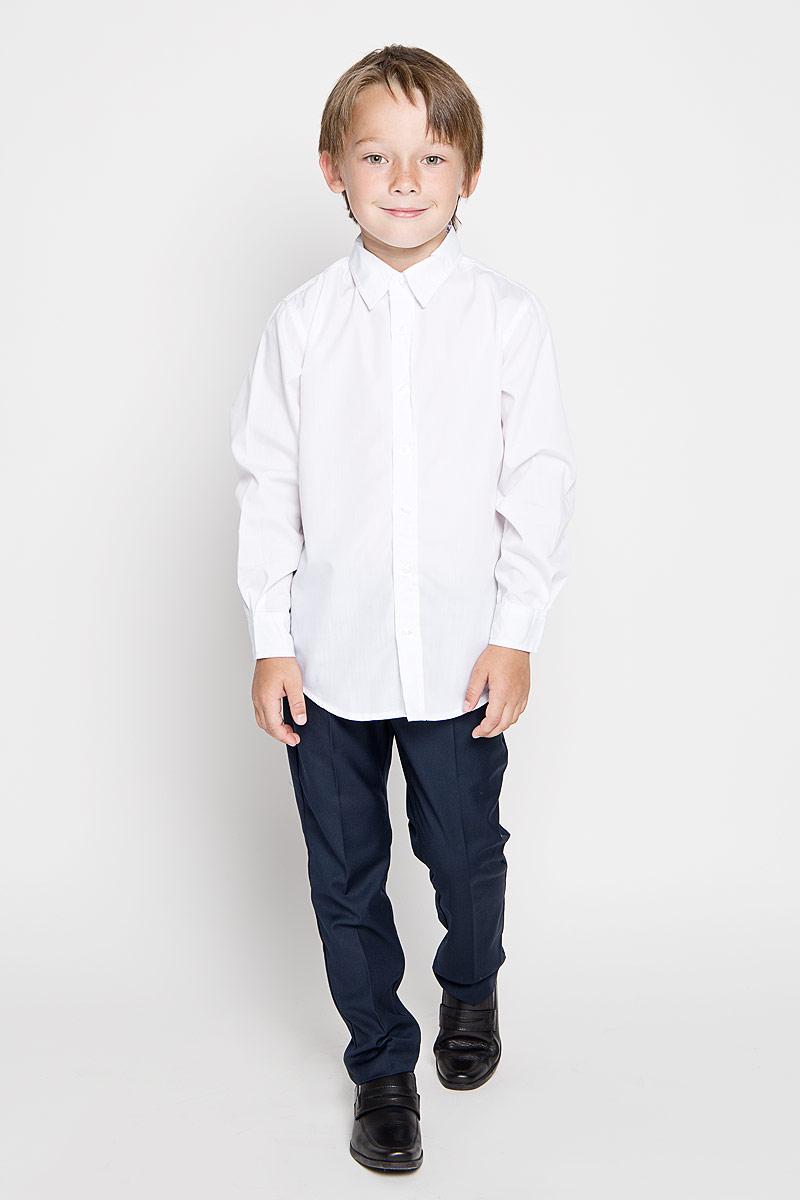 Рубашка для мальчика. H-812/100-6311H-812/100-6311Стильная рубашка для мальчика Sela идеально подойдет вашему ребенку. Изготовленная из хлопка с добавлением полиэстера, она мягкая и приятная на ощупь, обладает высокой износостойкостью, не сковывает движения и позволяет коже дышать, обеспечивая наибольший комфорт. Рубашка с длинными рукавами и отложным воротничком застегивается на пластиковые пуговицы по всей длине. Манжеты рукавов также застегиваются на пуговицы. Классическая однотонная рубашка будет превосходно сочетаться как с джинсами, так и с классическими брюками. Современный дизайн и расцветка делают эту рубашку стильным предметом детского гардероба.