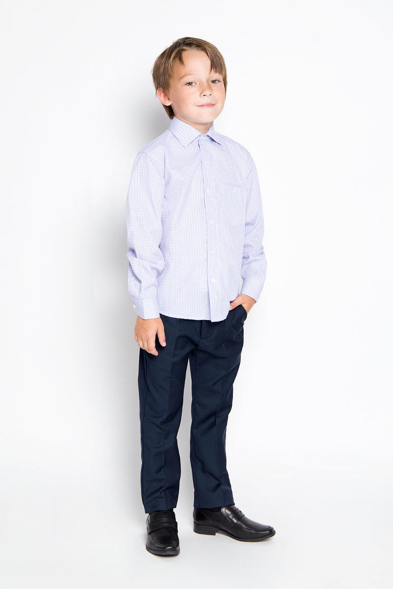 РубашкаGraf 39Стильная рубашка для мальчика Tsarevich идеально подойдет вашему юному мужчине. Изготовленная из хлопка с добавлением полиэстера, она мягкая и приятная на ощупь, не сковывает движения и позволяет коже дышать, не раздражает даже самую нежную и чувствительную кожу ребенка, обеспечивая ему наибольший комфорт. Рубашка классического кроя с длинными рукавами и отложным воротничком застегивается по всей длине на пуговицы. На груди она дополнена накладным карманом на пуговице. Края рукавов дополнены широкими манжетами на пуговицах. Низ изделия немного закруглен к боковым швам. Модель оформлена принтом в мелкую цветную клетку. Такая рубашка будет прекрасно смотреться с брюками и джинсами. Она станет неотъемлемой частью детского гардероба.