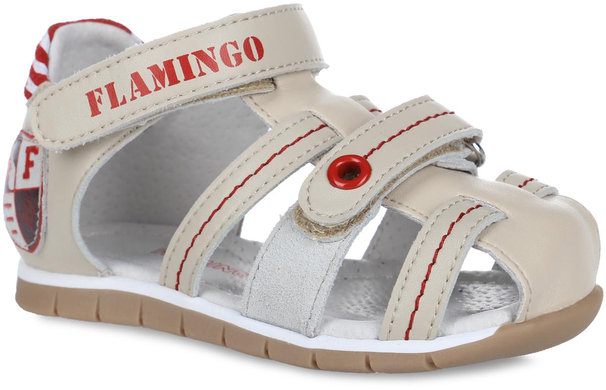 Сандалии для мальчика. 61-CS12661-CS126Модные сандалии от Flamingo придутся по душе вашему мальчику. Модель, выполненная из натуральной и искусственной кожи, оформлена контрастной прострочкой, сбоку - декоративной нашивкой, на ремешках - металлическим люверсом и названием бренда, на заднике - вставкой с полосатым принтом. Ремешки с застежками-липучками обеспечивают надежную фиксацию модели на ноге. Внутренняя поверхность и стелька из натуральной кожи комфортны при ходьбе. Стелька дополнена супинатором, который обеспечивает правильное положение стопы ребенка при ходьбе и предотвращает плоскостопие. Подошва с рифлением гарантирует отличное сцепление с любой поверхностью. Стильные сандалии - незаменимая вещь в гардеробе каждого мальчика!