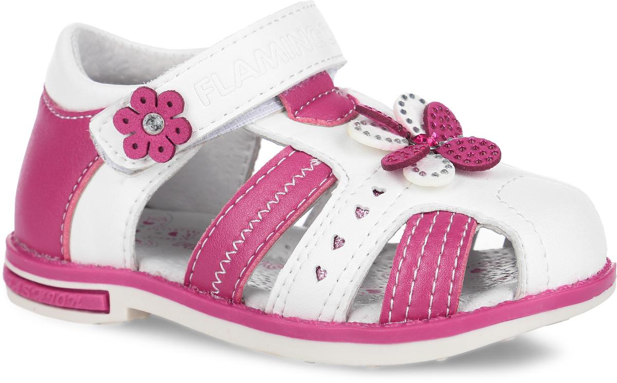 Сандалии для девочки. 61-QS1061-QS103Прелестные сандалии от Flamingo приведут в восторг вашу девочку. Модель, выполненная из искусственной кожи, оформлена по бокам декоративной перфорацией с блестками, на мысе - декоративным цветком, украшенным стразами. Ремешок с застежкой-липучкой, оформленный тисненым названием бренда и декоративным цветком со стразом, обеспечивает надежную фиксацию модели на ноге. Внутренняя поверхность и стелька из натуральной кожи комфортны при ходьбе. Стелька дополнена супинатором, который обеспечивает правильное положение стопы ребенка при ходьбе и предотвращает плоскостопие. Подошва с рифлением гарантирует отличное сцепление с любой поверхностью. Стильные сандалии - незаменимая вещь в гардеробе каждой девочки!
