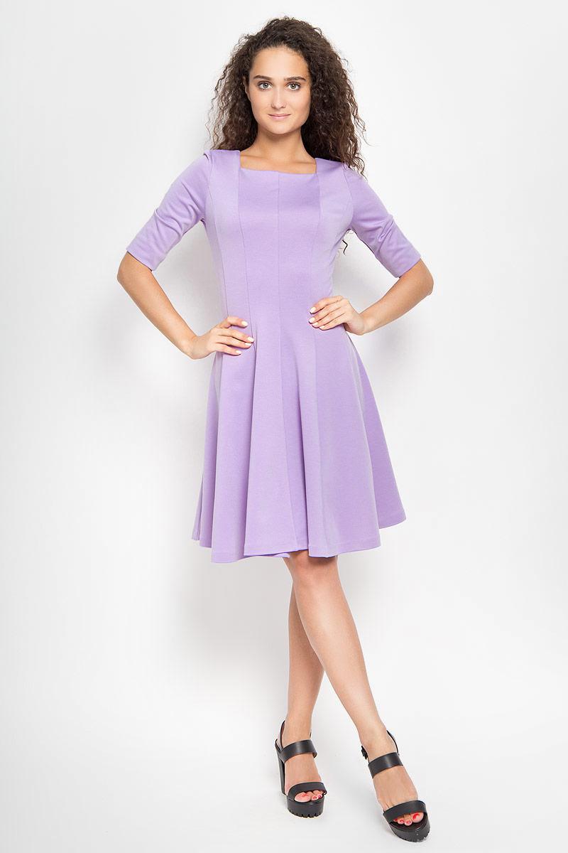 Платье105005_27Платье Ruxara, выполненное из высококачественного комбинированного материала, поможет создать отличный современный образ в стиле Casual. Модель приталенного силуэта с расклешенной юбкой дополнена вырезом горловины каре и рукавами длиной до локтя. Такое платье поможет создать яркий и привлекательный образ, в нем вам будет удобно и комфортно.