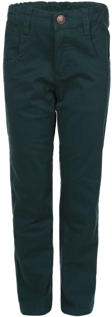 Брюки для мальчика. P-715/769-6311P-715/769-6311Удобные брюки для мальчика Sela идеально подойдут вашему маленькому моднику. Изготовленные из высококачественного эластичного хлопка, они мягкие и приятные на ощупь, не сковывают движения, сохраняют тепло и позволяют коже дышать, обеспечивая наибольший комфорт. Прямые брюки застегиваются на ширинку на застежке-молнии и пуговицу на поясе, имеются шлевки для ремня. С внутренней стороны пояс регулируется эластичной резинкой с пуговицами. Модель дополнена двумя втачными карманами и маленьким накладным кармашком спереди, а также двумя накладными карманами сзади. Практичные и стильные брюки идеально подойдут вашему малышу, а модная расцветка и высококачественный материал позволят ему комфортно чувствовать себя в течение дня!