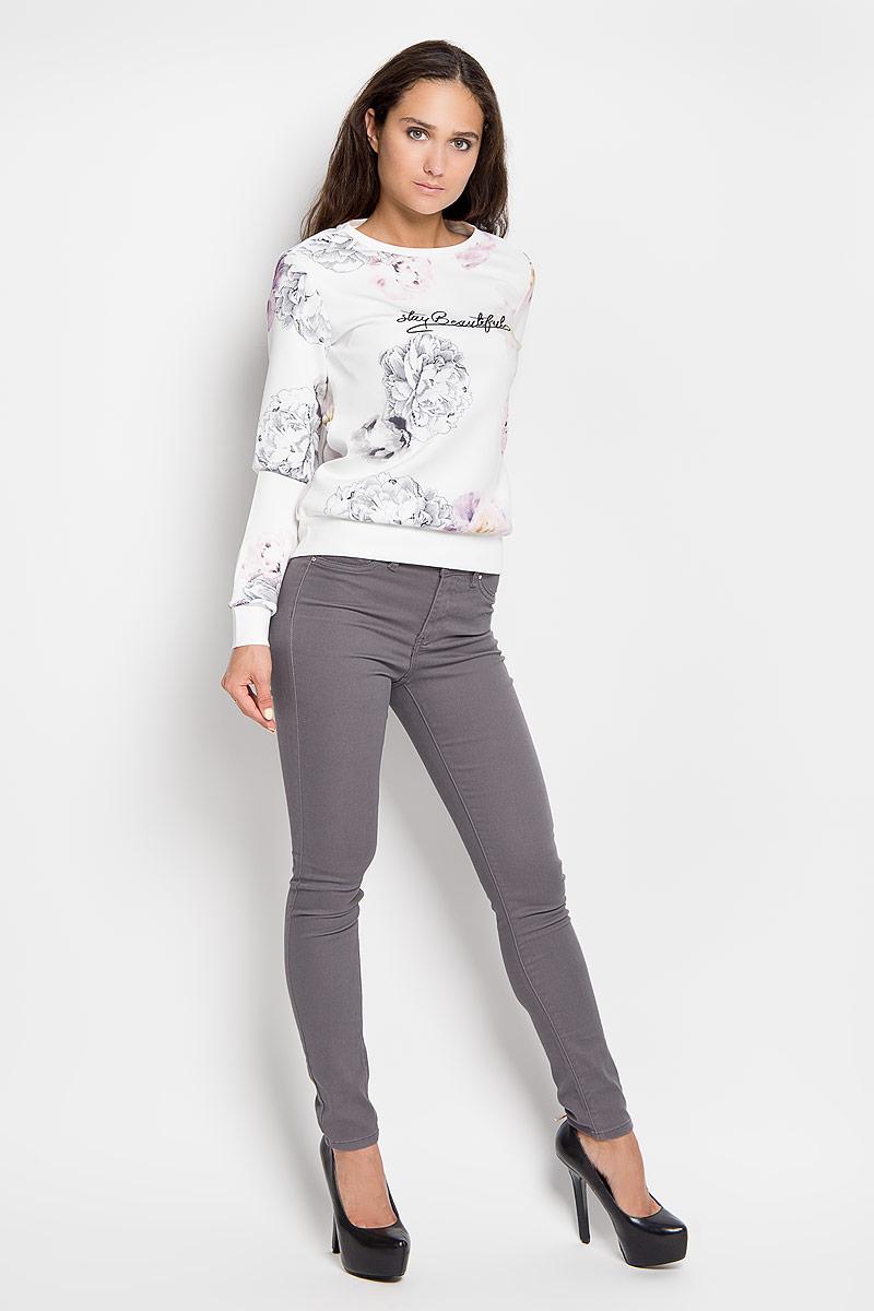 ДжинсыP-115/789-6310Стильные женские джинсы Sela Casual созданы специально для того, чтобы подчеркнуть достоинства вашей фигуры. Модель прямого кроя и стандартной посадки станет отличным дополнением к вашему современному образу. Застегиваются джинсы на пуговицу в поясе и ширинку на застежке-молнии, имеются шлевки для ремня. Спереди модель оформлена двумя втачными карманами и одним небольшим секретным кармашком, а сзади - двумя накладными карманами. Эти модные и в тоже время комфортные джинсы послужат отличным дополнением к вашему гардеробу. В них вы всегда будете чувствовать себя уютно и комфортно.
