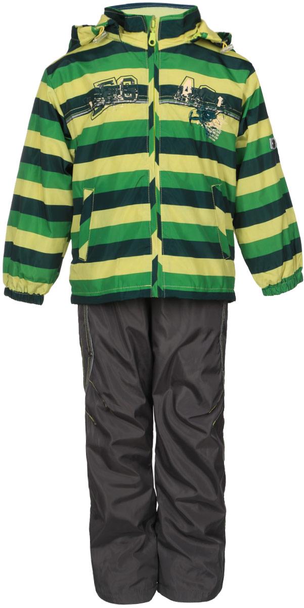 Комплект верхней одежды2277D-13Красивый и яркий комплект для мальчика M&D, состоящий из ветровки, брюк и лонгслива, идеально подойдет для вашего ребенка в прохладную погоду. Ветровка изготовлена из полиэстера на мягкой хлопковой подкладке. Модель со съемным капюшоном застегивается на пластиковую молнию с защитой подбородка. Капюшон по краю дополнен затягивающимся шнурком со стопперами. Низ рукавов присборен на резинки. Спереди расположены два прорезных кармана на застежках-молниях. По низу изделия проходит регулируемый эластичный шнурок со стопперами. Оформлена ветровка принтом в полоску, вышивкой и надписью. Брюки выполнены из полиэстера с подкладкой из натурального хлопка. Модель прямого кроя на талии имеет эластичную резинку, благодаря чему брюки не сдавливают животик ребенка и не сползают. Спереди расположены два втачных кармана. По низу брючин предусмотрена утяжка в виде резинок со стопперами. Изделие украшено контрастной прострочкой. На ветровке и брюках предусмотрены...