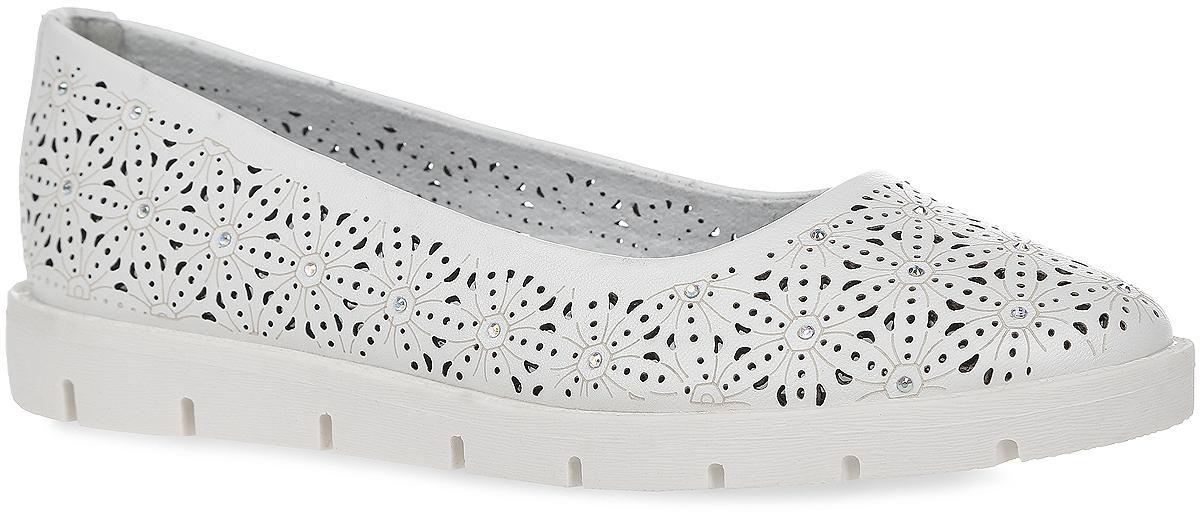 10323-2Очаровательные туфли от Зебра придутся по душе вашей юной моднице! Модель изготовлена из искусственной кожи и оформлена перфорацией и стразами. Уплотненный задник предназначен для лучшей фиксации обуви на ноге. Внутренняя часть и стелька изготовлены из натуральной кожи. Стелька дополнена небольшим супинатором, который обеспечивает правильное положение ноги ребенка при ходьбе, предотвращает плоскостопие. Подошва выполнена из гибкого, не скользящего материала, устойчивого к истиранию и перепадам температур. Чудесные туфли займут достойное место в гардеробе вашего ребенка.