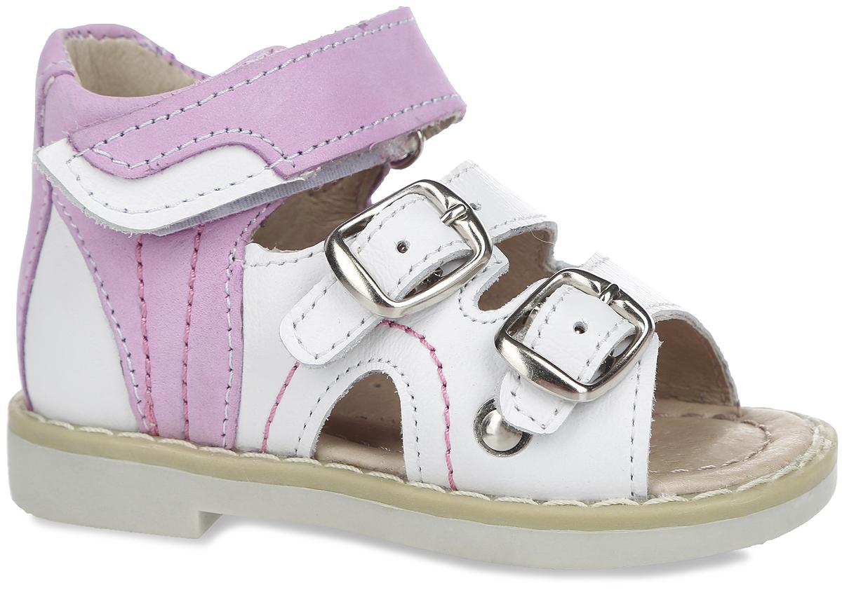 Сандалии для девочки. 10440-8/10441-210440-8Замечательные сандалии от Зебра придутся по душе вашей девочке. Модель, выполненная из натуральной кожи, оформлена прострочкой. Сандалии можно отрегулировать по полноте, благодаря чему они подойдут практически для любой ножки. Высокий жесткий задник и регулируемые ремешки надежно зафиксируют ножку ребенка, не давая ей смещаться из стороны в сторону и назад. Два ремешка застегиваются на металлические пряжки, один - на застежку-липучку. Подкладка выполнена из натуральной кожи, что предотвращает натирание и гарантирует уют. Стелька из ЭВА материала с поверхностью из натуральной кожи оснащена небольшим супинатором с перфорацией, который обеспечивает правильное положение ноги ребенка при ходьбе и предотвращает плоскостопие. Ортопедический каблук Томаса укрепляет подошву под средней частью стопы и препятствует ее заваливанию внутрь. Подошва с рифлением обеспечивает идеальное сцепление с любыми поверхностями. Стильные сандалии - незаменимая...