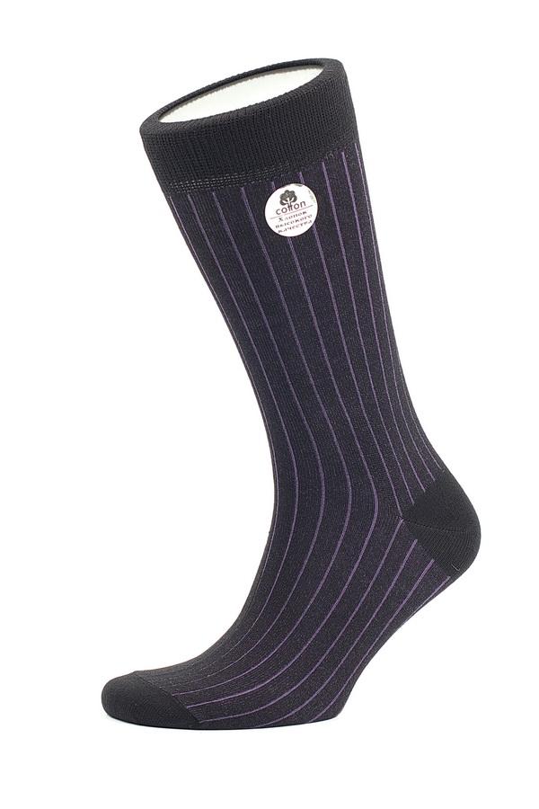 НоскиMS055Мужские носки Uomo Fiero превосходного качества, изготовленные из высококачественного комбинированного материала, очень мягкие и приятные на ощупь, позволяют коже дышать. Эластичная резинка плотно облегает ногу, не сдавливая ее, обеспечивая комфорт и удобство. Носки обладают повышенной прочностью, не подвержены усадке. Модель с удлиненным паголенком. Идеальное сочетание практичности, комфорта и элегантности!