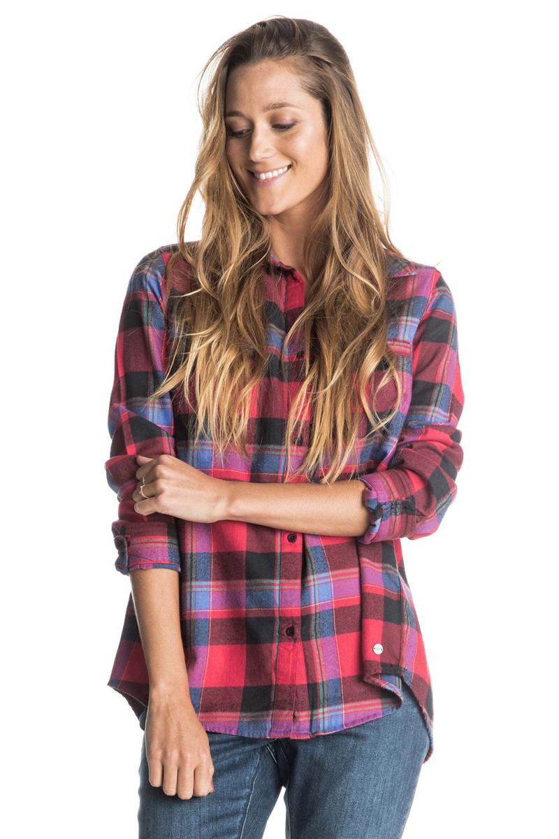 РубашкаERJWT03063-BSQ1Женская рубашка из мягкой фланели с начесом. Модель с длинным рукавом застегивается на пуговицы. Спинка дополнина молнией. Круглый металлический логотип у подола.